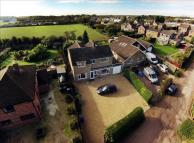 4 bedroom Detached house in Green Lane, Stokenchurch...