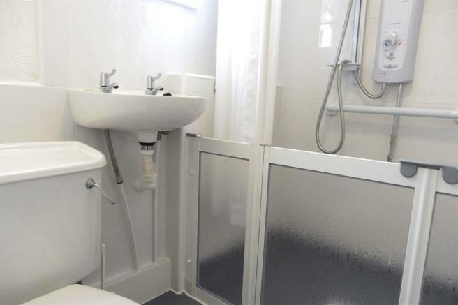 Ground Floorshower / Wet Room