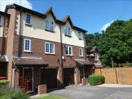 Town House for sale in Littlebrook Avenue...