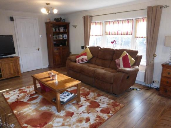 2 Bedroom Park Home For Sale In Lane Finchampstead Wokingham RG40