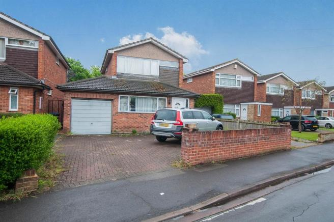 3 bedroom detached house for sale in florence avenue maidenhead sl6