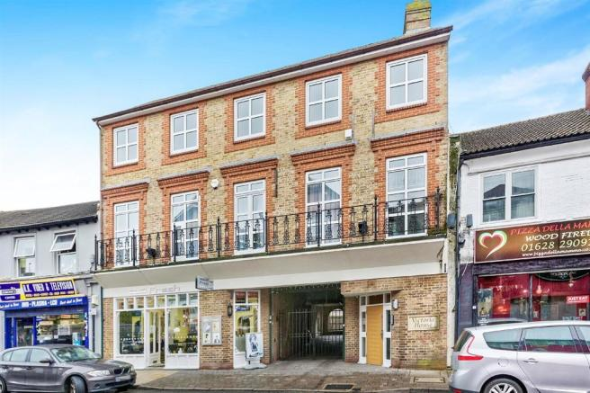 2 bedroom apartment for sale in queen street maidenhead sl6