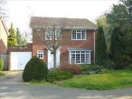 4 bed Detached house in Castle Drive, Maidenhead