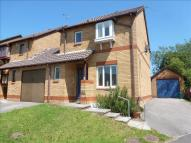 3 bedroom semi detached house in Clos Myddlyn, Beddau...