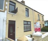 3 bedroom Terraced property in Bridgend Road, Llanharan...