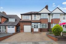 5 bedroom semi detached home in Primrose Lane...