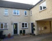 2 bedroom Terraced home in Stow Avenue, Witney