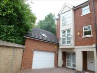 5 bedroom Town House in Church Lane North...
