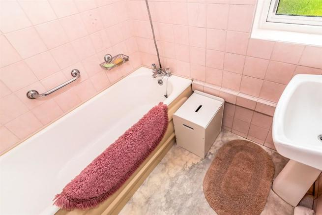 Ground Floor Bathroom: