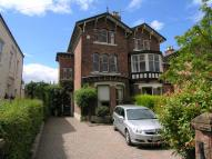 4 bed semi detached house in Eaton Road, Chester