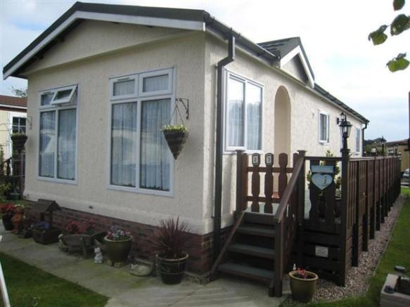2 Bedroom Park Home For Sale In Lea Green Lane Church Minshull