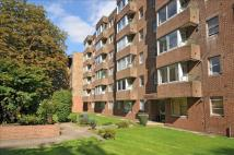 2 bedroom Ground Flat in Dingwall Road, Croydon