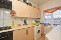 Flat for sale in Selhurst Road...
