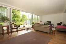 5 bed Detached home in Creswick Road, Acton