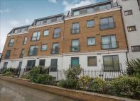 Flat for sale in Uxbridge Road, Ealing