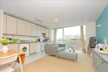 1 bedroom Flat in Mapleton Road, London