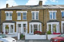 4 bed Terraced property for sale in Beechcroft Road...