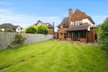 4 bed Detached home in Woodcote Close, Epsom
