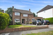 4 bed Detached house in Downs Wood, Epsom