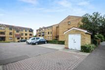 Studio flat in Redford Close, Feltham