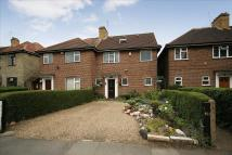 4 bed semi detached home in Hounslow Road, Hanworth...