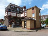3 bed Apartment in Kennedy Close, Cheshunt...