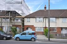 2 bed Flat in Wide Way, Mitcham