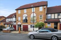 Town House for sale in Silbury Avenue, Mitcham