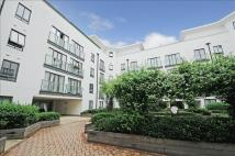 Flat in Holford Way, London