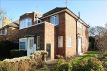 2 bed Maisonette in Bishops Close, Ham...
