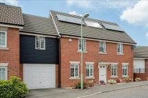 5 bedroom Link Detached House in Skylark Way, Stowmarket