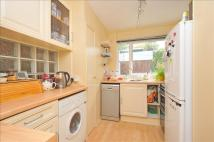 2 bed Flat in Ashley Lane, Croydon