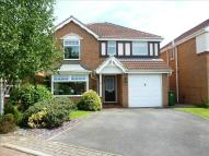 Detached property in Greenbank Close...