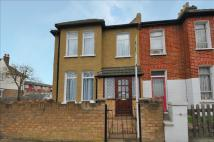 2 bedroom End of Terrace property in Blackshaw Road, London