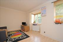Ground Flat in Kipling Drive, London