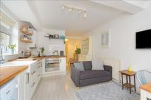 2 bedroom Maisonette in Robinson Road, Tooting...