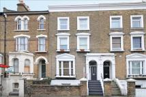 Flat in Trinity Road, London