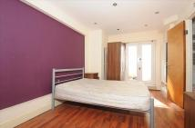 Flat in Englewood Road, London