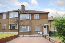 Maisonette in Oakleigh Close, London