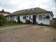 3 bedroom Bungalow for sale in Toms Lane, Kings Langley