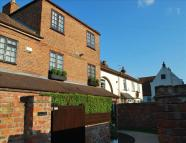 Terraced property for sale in Sunnybank, Edenthorpe...