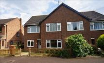 2 bed Maisonette in Warren Terrace, Hertford