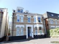 Flat to rent in The Avenue, Surbiton, KT5