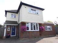 3 bed home in Fleece Road, Long Ditton...
