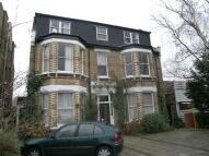 1 bedroom Flat in The Avenue, Surbiton, KT5