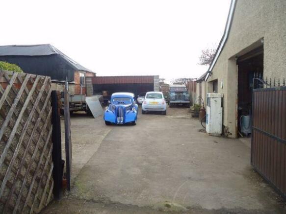Double Garage & Yard