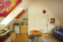 Studio flat in Hithercroft Road...