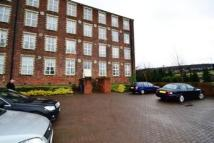 2 bedroom Ground Flat in Woolcarder's Court...