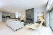 4 bed new home in Chantry View Road...
