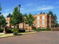 Flat for sale in Franklin Court, Wormley...